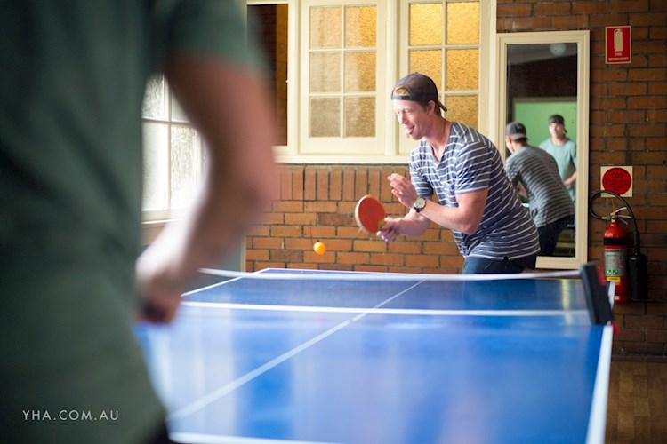 Newcastle Beach YHA - table Tennis