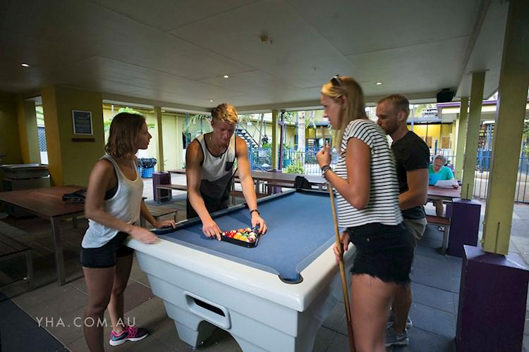 YHA Cairns Central - Billard